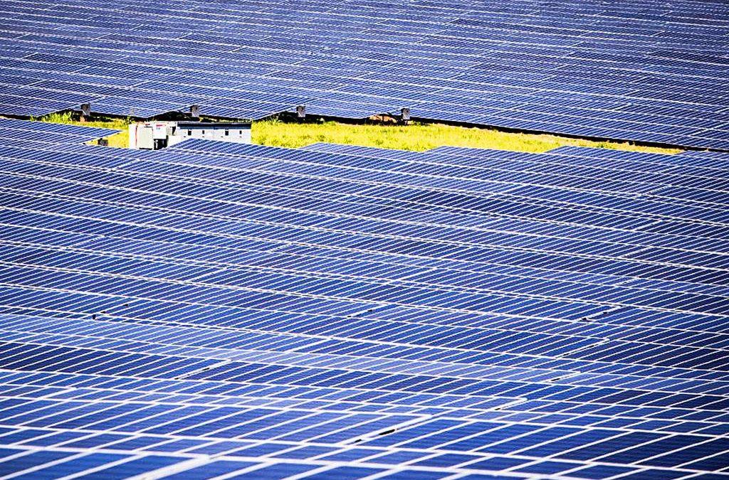 Energia solar própria alcança 40% de Itaipu e setor pede mais espaço